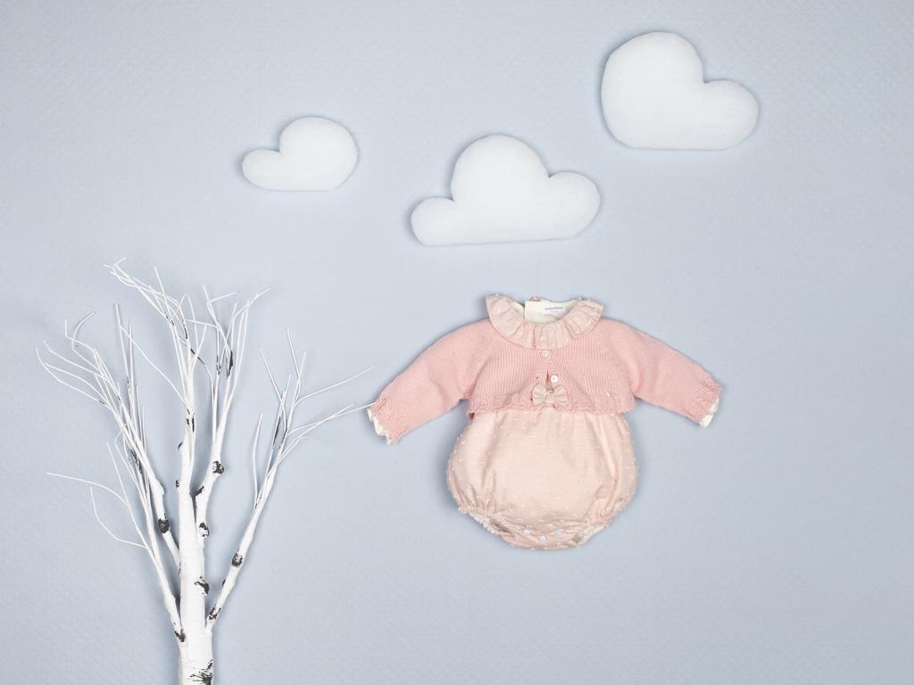 Colores tendencia 2021 para la primera puesta del bebé rosa empolvado