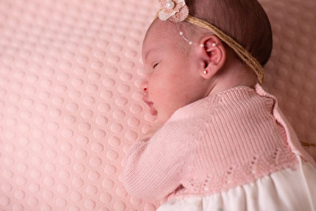 ¿Cómo abrigar a un bebé recién nacido en otoño